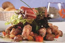 cómo preparar ensalada de chopitos y jamón ibérico