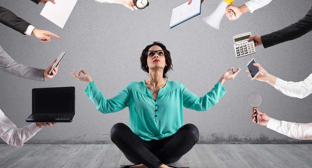 mujer-meditando-para concentrarse