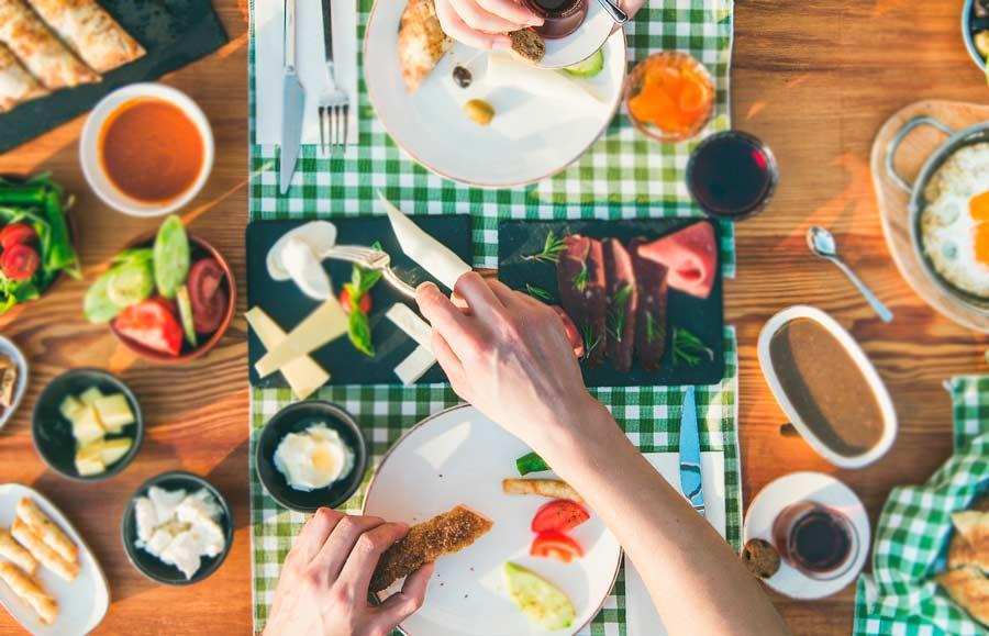 La importancia de un desayuno rico en proteínas
