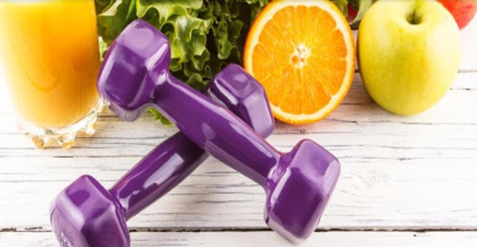 mantenerse activo e hidratarse para estar saludable