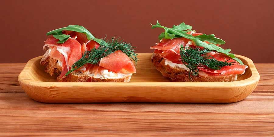 menú semanal fresco y saludable tostadas con jamón ibérico